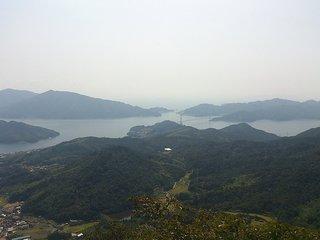 野呂山の鉢巻き展望台から見た安芸灘大橋