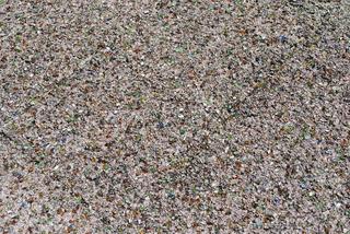 ガラスをリサイクルした舗装材