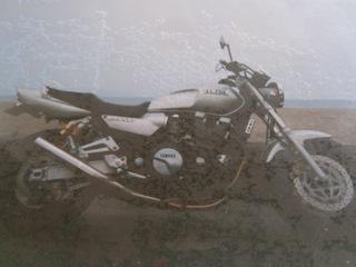 全塗装前シルバーのXJR1200