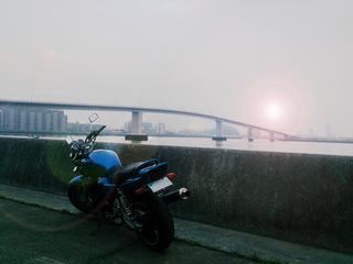 広島のべたぶみ坂はつかいち大橋とXJR1200