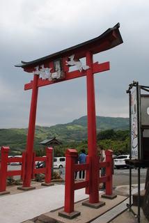 元乃隅稲成神社の入れにくい賽銭箱