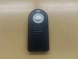 アマゾンで買ったカメラの汎用リモコン