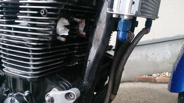 エンジンを乗せたまま自家塗装するなら不要なパーツは取り外す