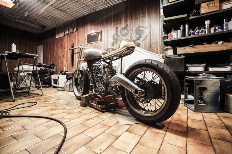憧れのバイク用のガレージを単管でDIY