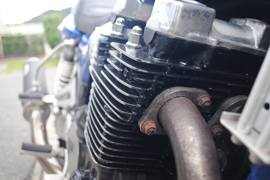自家塗装したバイクのエンジン