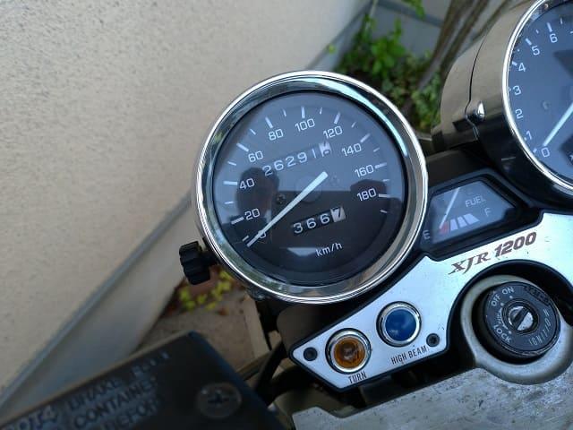 往復で366kmを表したバイクのメーター