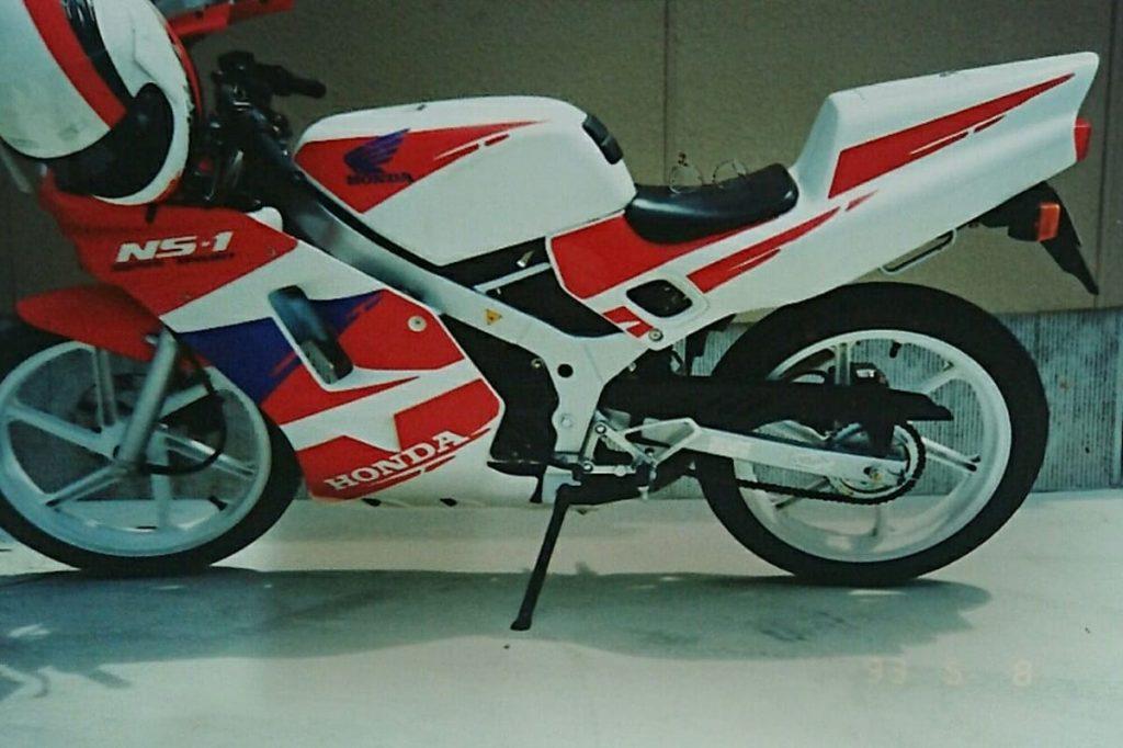 フルカウルのバイクはカラーリングで古臭く見えと言われた