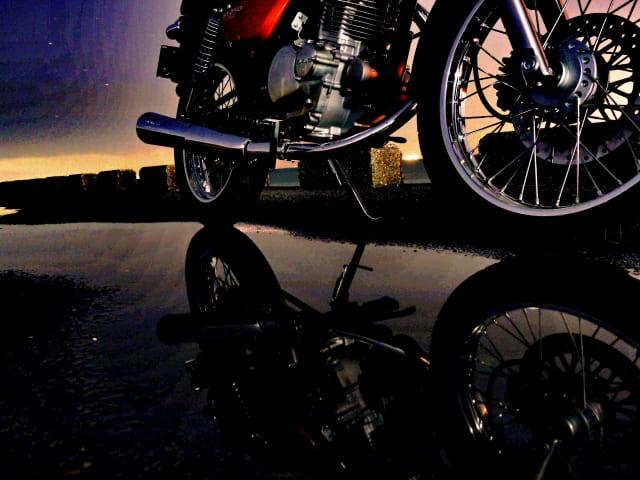 雨とバイク