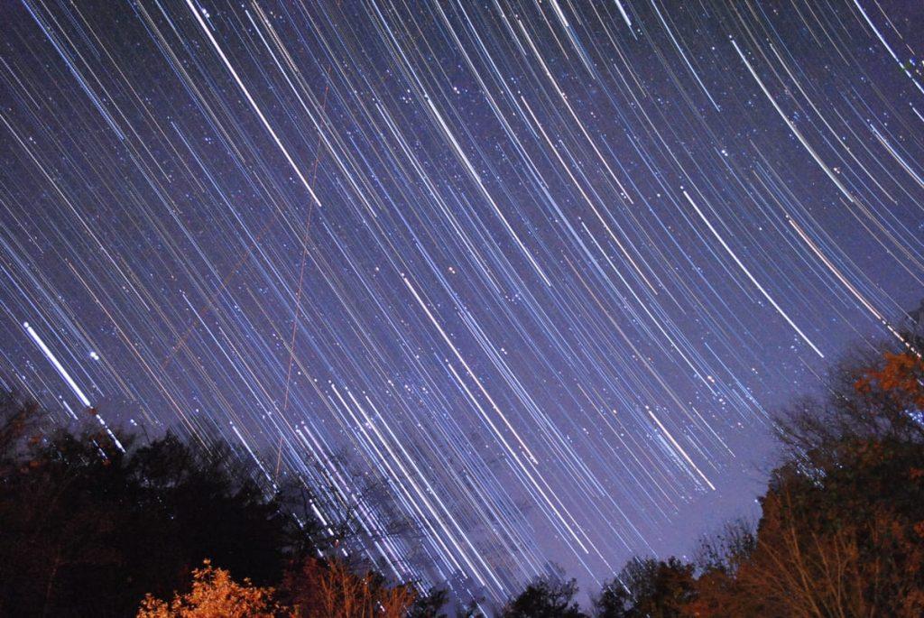 キットレンズで星の軌跡を撮影