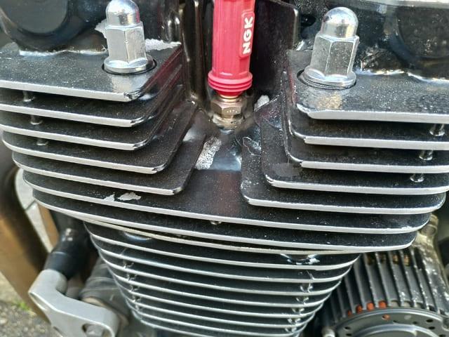 塗装から2年半が経過したエンジン