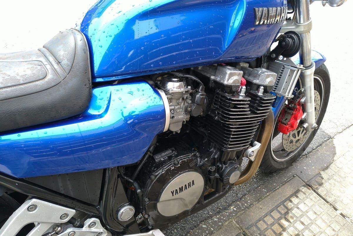 エフゼロを入れて冬眠させたバイク