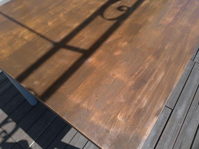テーブルの塗装完了