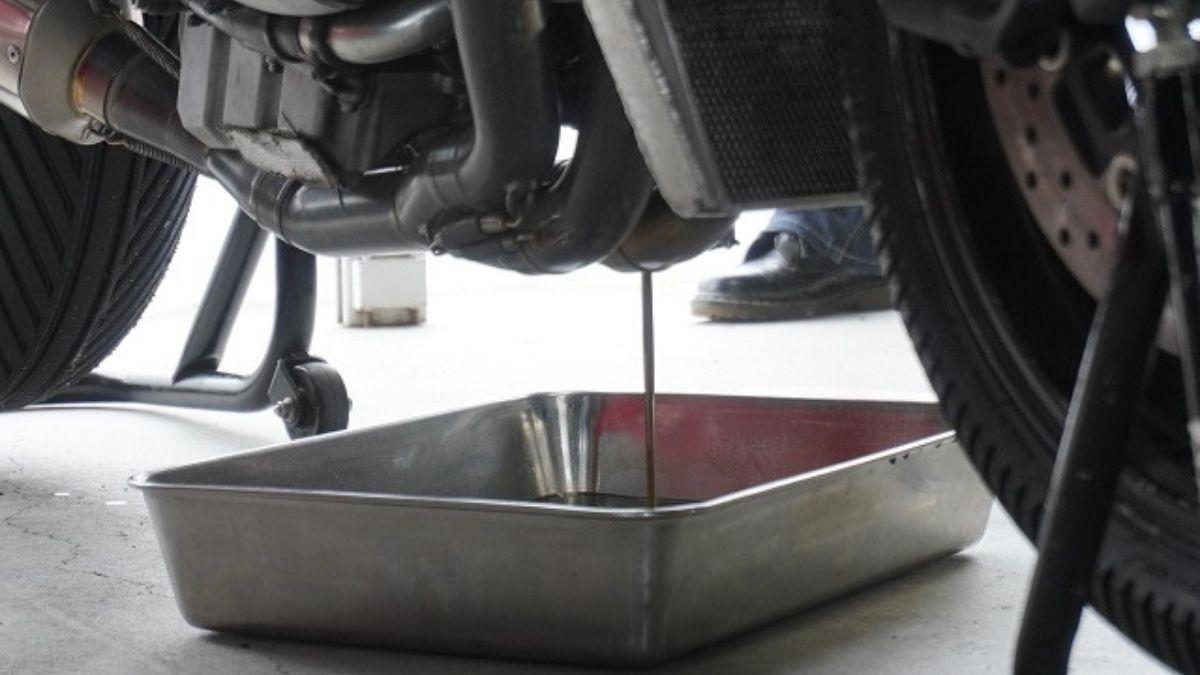バイクのエンジンオイル