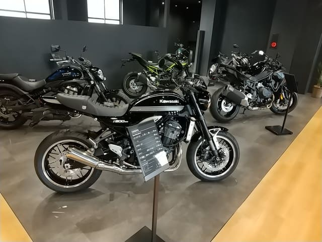 カワサキプラザ広島のバイク