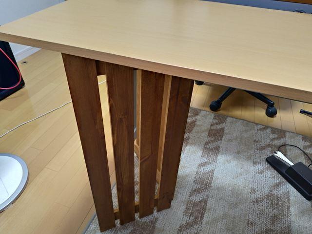 サイドテーブルの脚にする