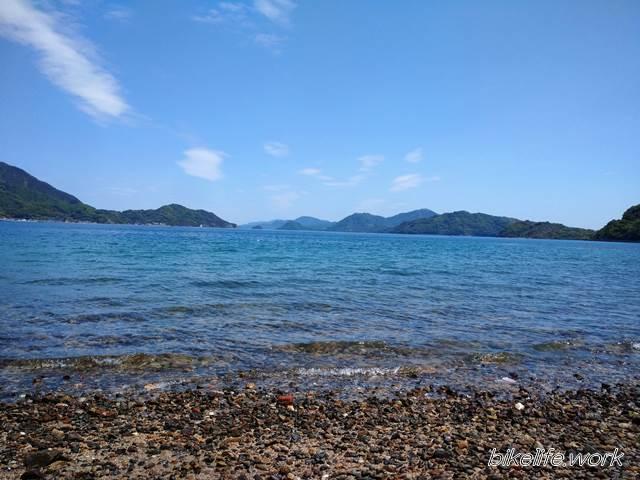 とびしま海道の岡村島では綺麗な海が眺められる