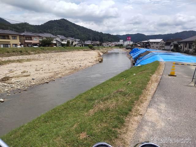 安芸高田市の決壊した堤防が仮復旧