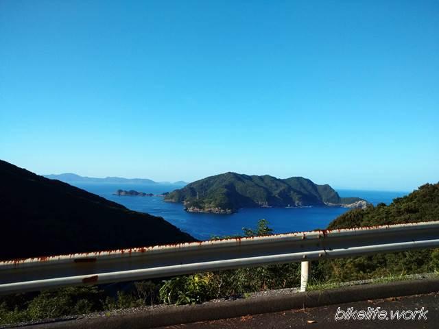 鶴御崎へ向かう鶴見スカイラインは眺めがいい